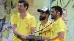 IPL 2020: പുസ്കാരനിറവില് ചെന്നൈ താരങ്ങള്