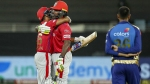 IPL 2020: സൂപ്പര് ഓവറില് കണ്ഫ്യൂഷന്, ഒരേ താരത്തിന് രണ്ട് തവണ കളിക്കാമോ? പൊള്ളാര്ഡിന് സാധിച്ചു!!