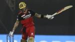 IPL 2021: ഒന്ന് നോക്കുക പോലും ചെയ്യാതെ കോഹ്ലിയുടെ സിക്സ്; സ്റ്റേഡിയം കടന്ന് പറന്ന് പന്ത്!