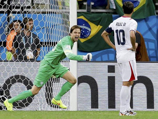 Substitute Goal Keeper Presented Historic Victory To Holland