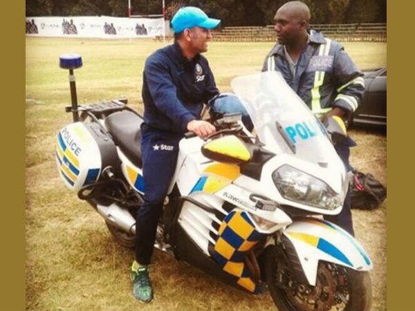 Pic When Ms Dhoni Rode Policeman S Bike Mbabwe Team India