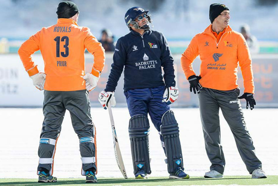 Cricket On Ice Afridi Led Royals Clinch Series 2