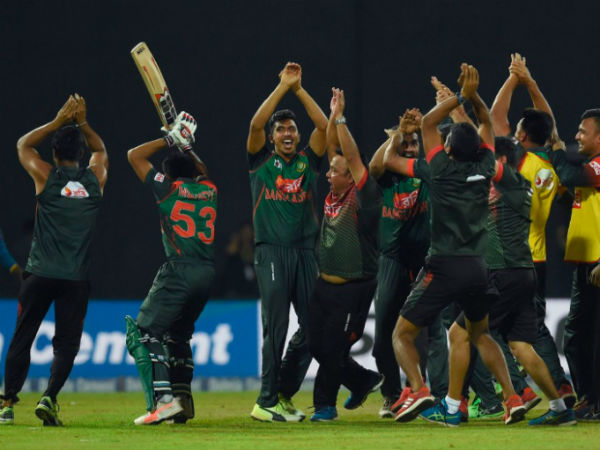 Nidahas Trophy Fight Sri Lanka Vs Bangladesh Controversy In Final Over