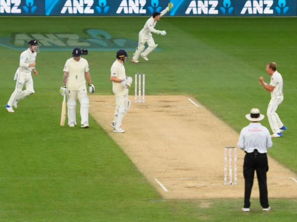 Newzeland Beats England In First Cricket Test
