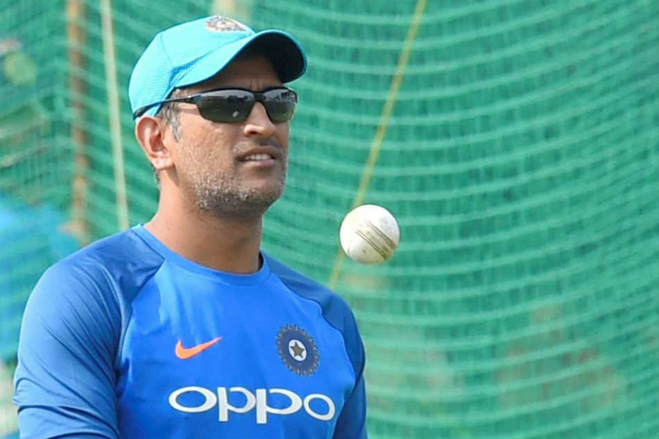 Bangar Defends Dhoni Hints At Bhuvneshwar