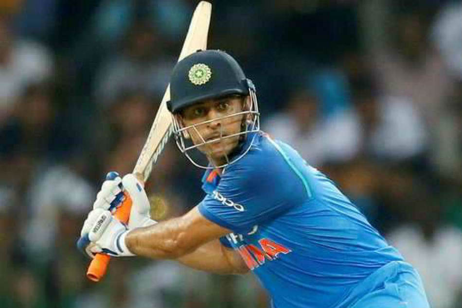 Dhoni Leaves Fans Awestruck After Mcg Masterclass