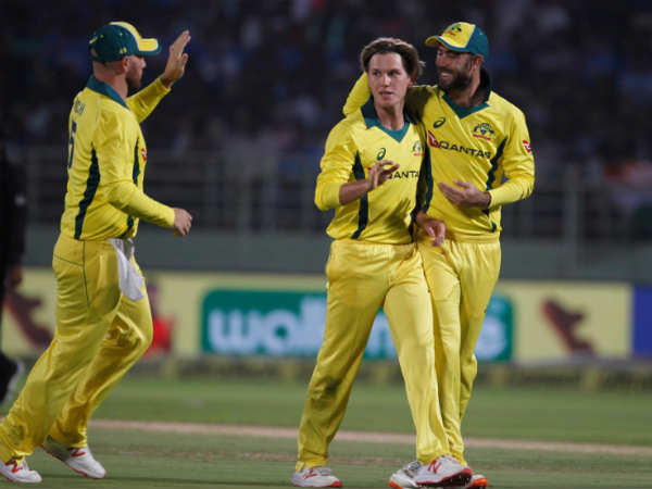 India Australia 3rd Odi Match Live Updates