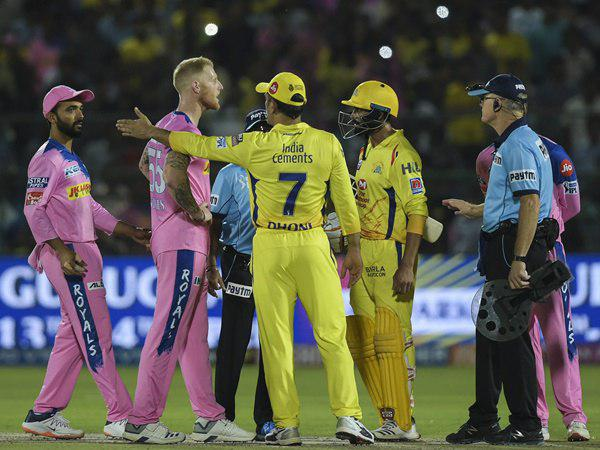 Ms Dhoni Did Not Offend Me Says Oxenford To Match Referee