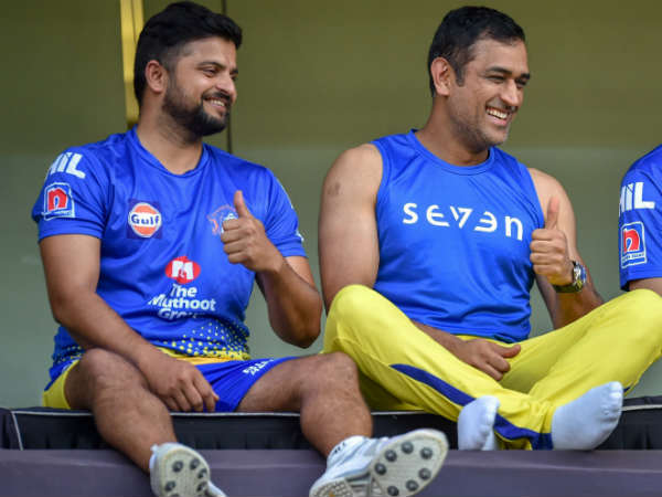 Csk Captain Ms Dhoni Gives Batting Tips To Suresh Raina