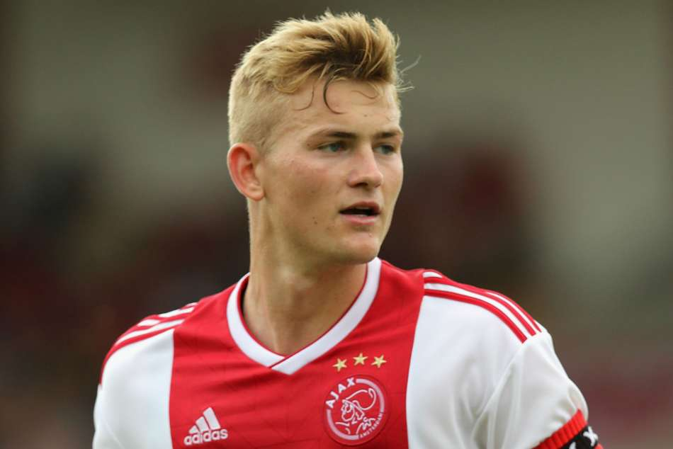 Juventus Signed With Ajax Center Back Matthis De Light
