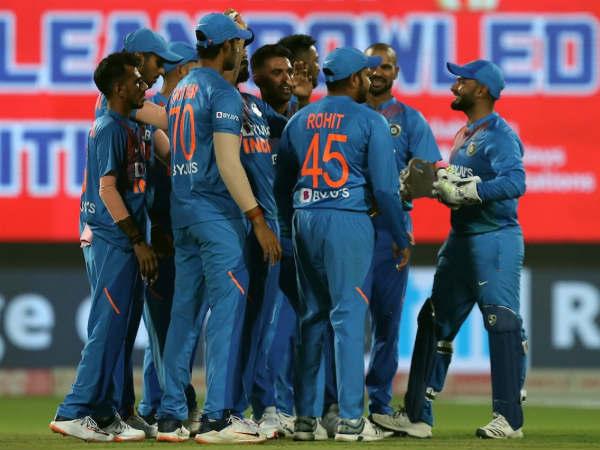 ഇന്ത്യ vs വിന്ഡീസ് ടി20: ടോസ് ഇന്ത്യക്ക്, ബൗളിങ് തിരഞ്ഞെടുത്ത് കോലി... സഞ്ജുവിന് ഇടമില്ല