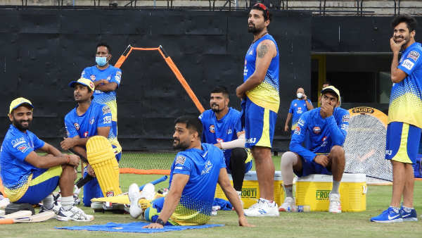 IPL 2021: വിസില് പോട്, സിഎസ്കെയുടെ ക്യാംപ് എന്നുതുടങ്ങും, ധോണി എപ്പോഴെത്തും? എല്ലാമറിയാം