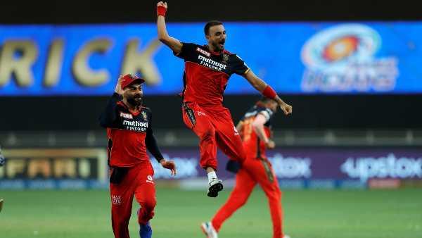 IPL 2021: അന്നു അഞ്ച്, ഇന്നു ഹാട്രിക്കടക്കം നാല്! മുംബൈയെ തീര്ത്ത് വീണ്ടും ഹര്ഷല് കൊടുങ്കാറ്റ്