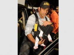 India Captain Ms Dhoni With His Daughter