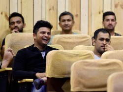Dhoni Raina Harbhajan Others Watch Kis Kisko Pyaar Karoon In Bengaluru