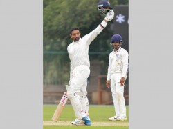 Robin Uthappa Hits Hat Rick Tons Equals Rahul Dravid Record