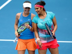 Sania Mirza Martina Hingis Win Record 35th Successive Match To Enter Australian Open