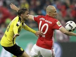Bayern Beat Mainz Robert Lewandozki Scores Double
