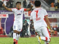 Bengaluru Beats Pune In Isl Match