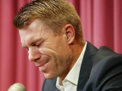 Warner Issues Tearful Apology Over Ball Tampering