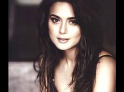 Preity Zinta Happy Mumbai Indians Out