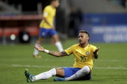 Neymars Father Calls For Social Media Truce