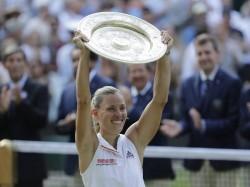 Angelique Kerber Beats Serena