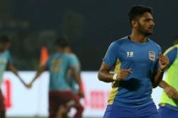 Kerala Blasters Sign Zakeer Mundampara From Mumbai City