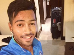 Hardik Pandya Wakes Up Father With Surprise