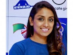 England Womens Cricketer Isa Guha Ties The Knot