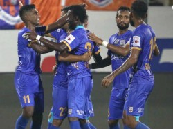 Mumbai City Beats Pune City In Indian Super League Match