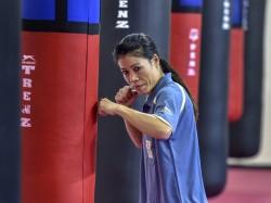 Mary Kom Defeats Hanna Okhota