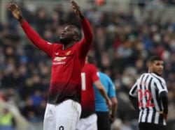 Manchester United Wins Again Chelsea Draws In Premier League