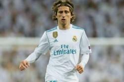 Real Madrid A 2 0 Win Over Sevilla At A Sodden Santiago Bernabeu