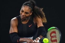 Serena Williams Knocks Out Simona Halep