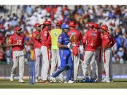 Kings Xi Bowl Against Unchanged Mumbai