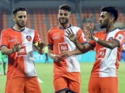 Fc Goa Wins Indian Super Cup Football Trophy