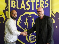 Building Something Stable Takes Time Says Kerala Blasters New Coach Schattorie