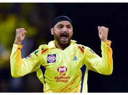 Harbhajan Singh Take Wickets