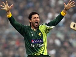 Pakistan Player Junaid Khan Reacts