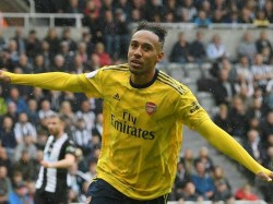 English Premier League Arsenal Start With Win