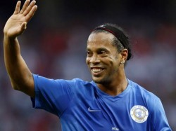 Brazilian Football Superstar Ronaldinho Decided Retirement