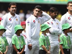 Shoaib Akhtar Lashes On Pak Team