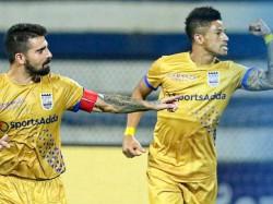 Mumbai City Beats Bengaluru In Indian Super League Match