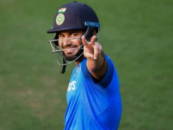 Indian Wicket Keeper Rishabh Pant Dating Bollywood Actress Urvashi Rautela