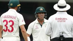 David Warner Argues With Umpire