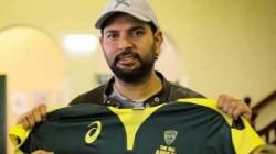 Brett Lee Get Yuvraj S Wicket In Bushfire Cricket Bash
