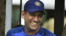 Former Pakistan Legend Waqar Younis Praises Ms Dhoni As Wonderful Cricketer