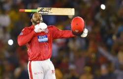 Ipl 2020 Chris Gayle Finally Practice With Teammates But Its Table Tennis