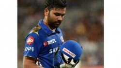 Ipl 2020 If Rohit Is Unwell What Is He Doing Inside Stadium Sehwag Questions His Omission From India